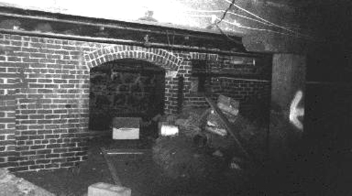 Photo of the Shanghai Tunnels in Portland, Oregon. Photo used under the Creative Commons License via Wikimedia.org.